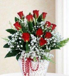 9 Adet Kırmızı Aşk